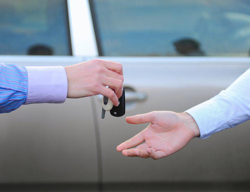 кому можно передавать управление автомобилем