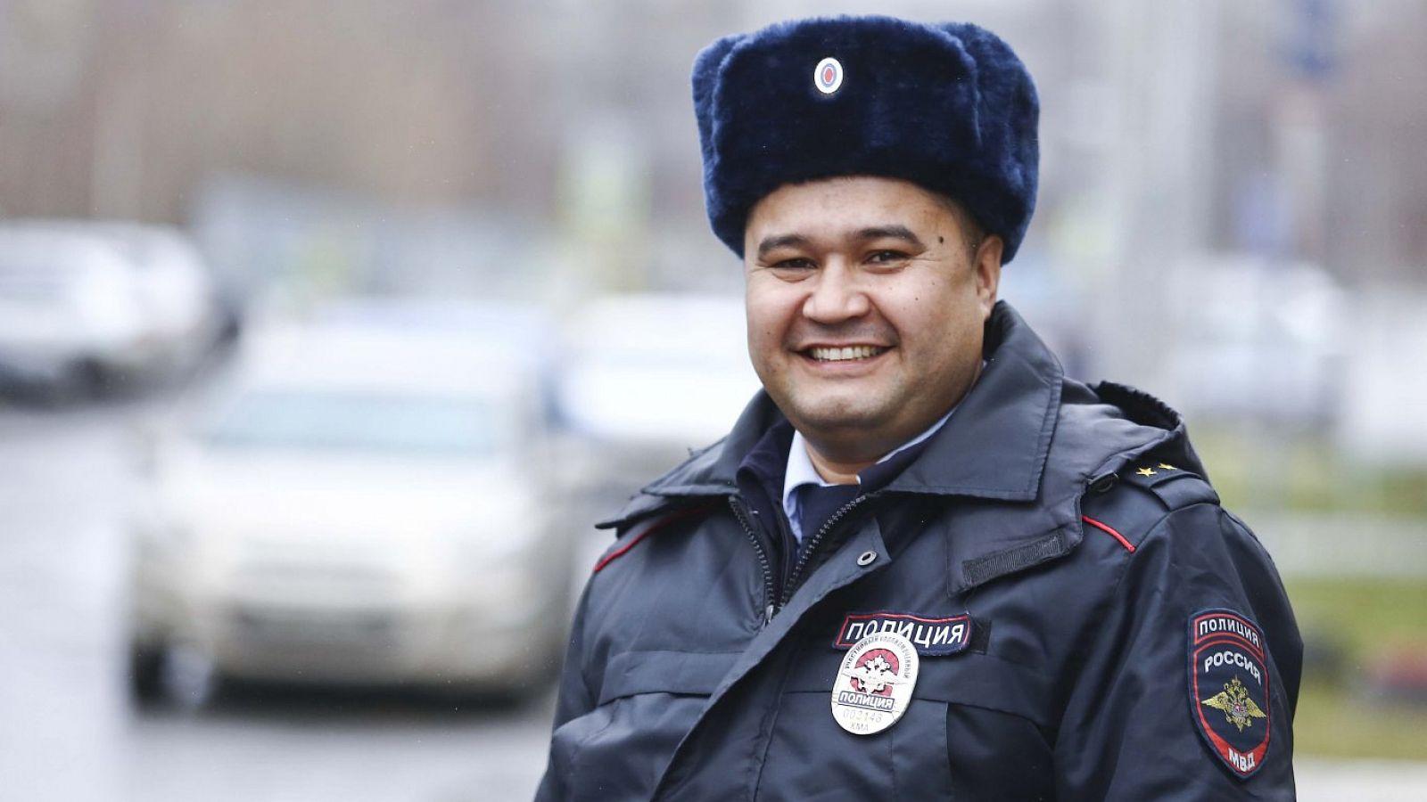 Работа в полиции для девушек в сургуте девушки в оаэ работа