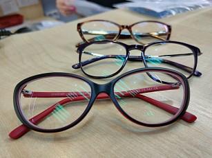 Компания «Айкрафт» подарила медицинским работникам Югорска современные очки