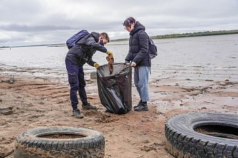 Всемирный день чистоты в Нижневартовске отпраздновали двумя масштабными субботниками