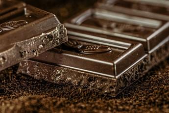 Вартовчанин украл из Магнита 86 шоколадок и отправился под суд